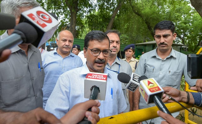 Arvind Kejriwal Slams Government Over Senior Journalists' Exit