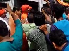 Swami Agnivesh Allegedly Attacked By BJP Workers In Jharkhand