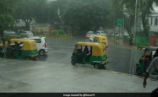 Weather Report : दिल्ली सहित आज देश के कई राज्यों में जबरदस्त बारिश का अनुमान