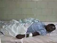 छत्तीसगढ़ : अस्पताल की जानलेवा लापरवाही, लावारिस मरीज़ की मौत, घाव पर लग गई थीं चीटियां