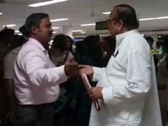 असम में ममता बनर्जी के सांसदों की No-Entry, एयरपोर्ट पर ही गिरफ्तार किए गए