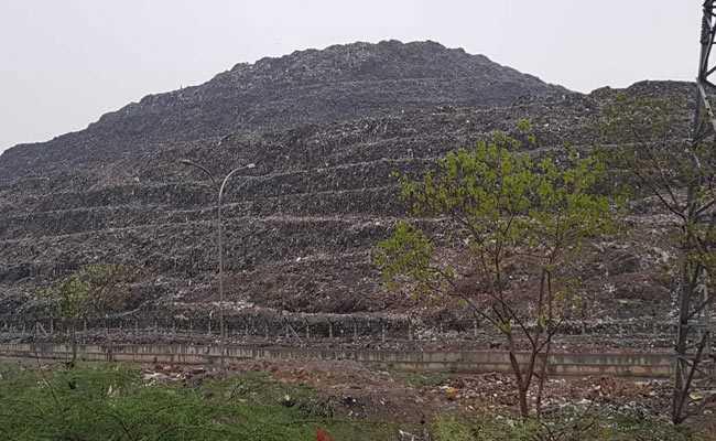 सुप्रीम कोर्ट ने दिल्ली में कचरे के पहाड़ों के निपटारे के लिए एक्सपर्ट कमेटी से मांगी रिपोर्ट