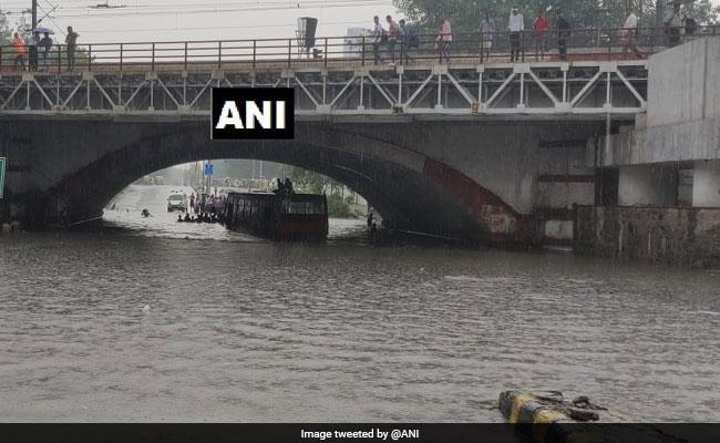 Delhi High Court Seeks Suo Moto Cognisance Of Waterlogging