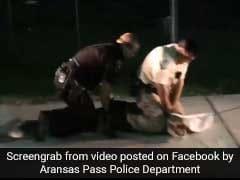 Viral Video: आठ फुट लंबे घड़ियाल से भिड़ गए पुलिसवाले, इस तरह किया काबू