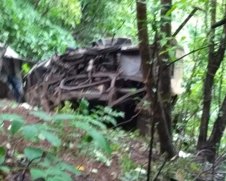 32 feared dead after bus falls into gorge near Mahabaleshwar