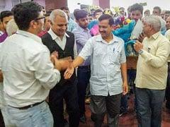 सुप्रीम कोर्ट के फैसले के बाद दिल्ली में ख़त्म नहीं हो रहा टकराव, पैदा हो सकता है 'प्रशासनिक संकट'