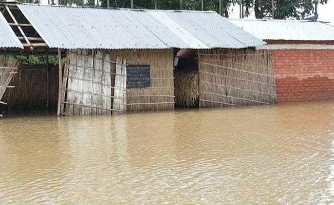 असम में बाढ़ की स्थिति गंभीर, राजनाथ ने CM को हर संभव सहायता का आश्वासन दिया