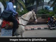 बेंगलुरु में ट्रैफिक जाम से नाराज इंजीनियर घोड़े पर बैठ पहुंचा ऑफिस, फोटो वायरल