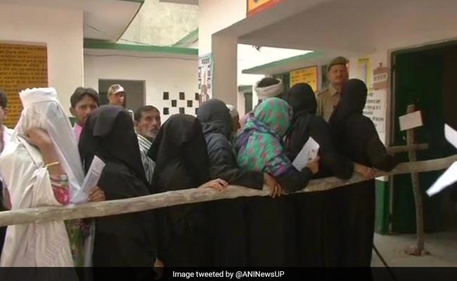उपचुनाव के दौरान जिन बूथों पर VVPAT में आई थी ख़राबी, EC आज वहां दोबारा वोटिंग का कर सकता है ऐलान