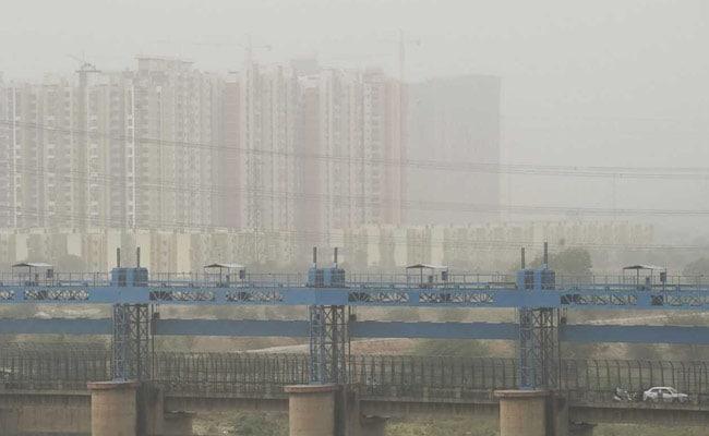 दिल्ली में प्रदूषण रोकने के लिए नगर निगम की सख्त कार्रवाई, 12 इमारतें सील
