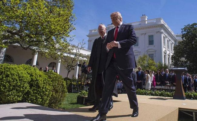 अमेरिकी राष्ट्रपति डोनाल्ड ट्रंप ने कर कटौती के छह महीने पूरे होने पर मनाया जश्न