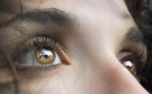 Floppy Eyelids Could Be A Sign Of Sleep Apnea: 6 Signs And Symptoms Of Sleep Apnea