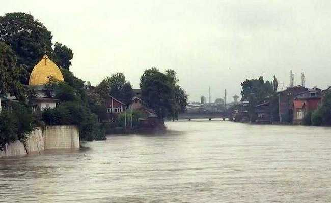 घाटी में भारी बारिश की वजह से मध्य कश्मीर में बाढ़ की चेतावनी जारी
