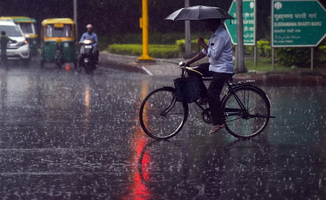 Rains Lash Parts Of Delhi, Humidity Levels Remain High