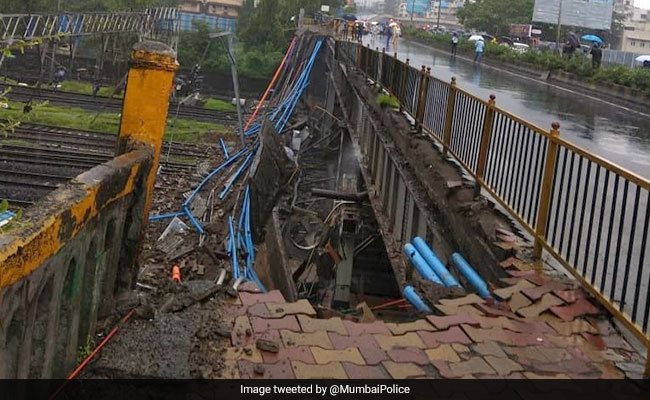 gokhale bridge andheri station mumbai collapse twitter
