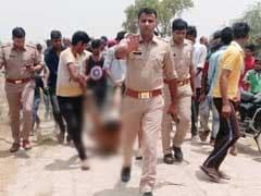पुलिस की मौजूदगी में पीट-पीटकर हत्या फिर शव को घसीटा, यूपी पुलिस ने मांगी माफी, 3 पुलिसकर्मी सस्पेंड