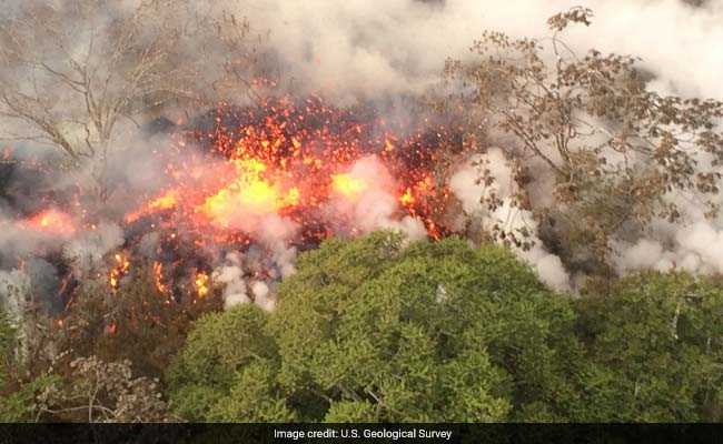 Hawaii Reports First Serious Injury From Volcano As Lava Threatens Escape Routes