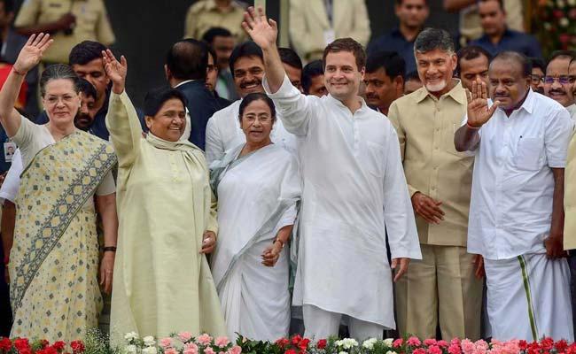 मध्य प्रदेश में कांग्रेस-बीएसपी के बीच बातचीत शुरू, किसानों के बंद से आज बढ़ सकती है सब्जी-दूध की किल्लत, 5 बड़ी खबरें