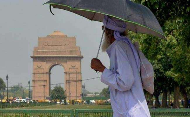 Rain, High-Speed Winds Likely To Bring Down Temperature In Delhi In Next 48 Hours