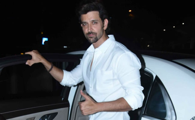 Hrithik Roshan To Host 26 IIT JEE Qualified Students From 'Super 30'