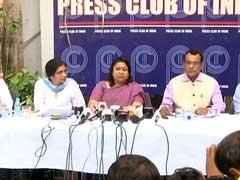 खत्म हो सकता है दिल्ली का गतिरोध, केजरीवाल के आश्वासन के बाद IAS अधिकारी चर्चा को तैयार