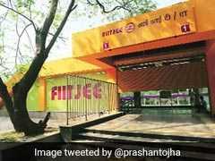 गलत ब्रांडिंग करने पर हाईकोर्ट ने दिल्ली मेट्रो को फटकारा, कहा-  बड़े फॉन्ट में बताओ FIIT-JEE और IIT दिल्ली के बीच कोई संबंध नहीं