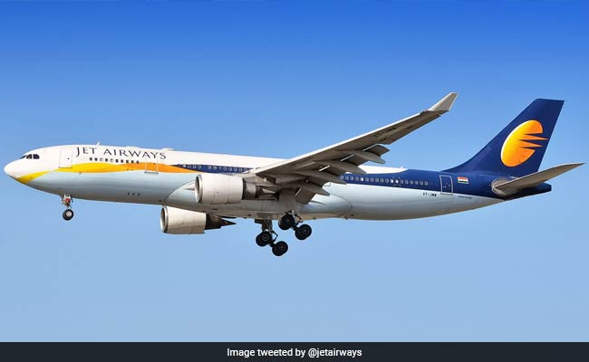 Jet Airways Grounds 4 Pilots For Clicking Selfies On Training Flight