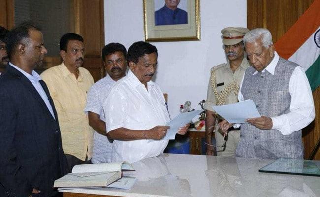 कर्नाटक : कांग्रेस ने बोपैया को विधानसभा का अस्थायी अध्यक्ष बनाये जाने पर सवाल उठाए
