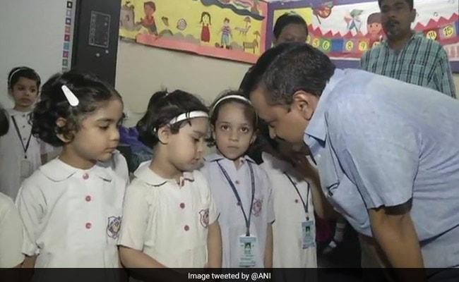 बेसमेंट में बच्चों को बंधक बनाए जाने पर केजरीवाल ने स्कूल प्रशासन को दी चेतावनी