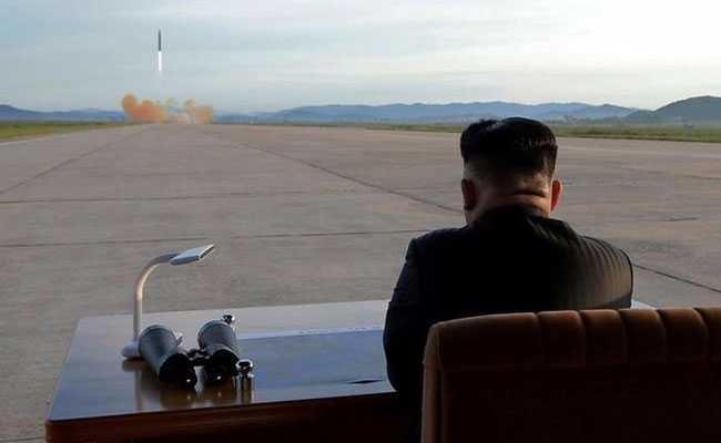 शिखर वार्ता से पहले अमेरिकी अधिकारियों का एक दल उत्तर कोरिया पहुंचा