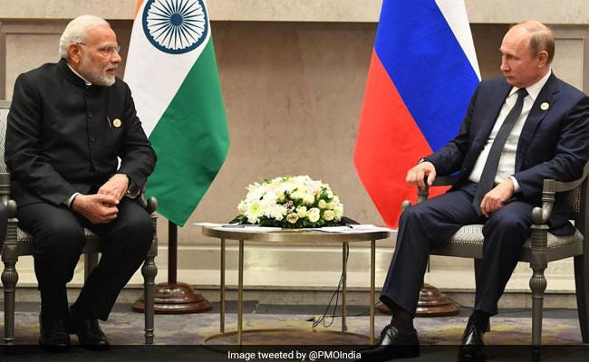 दक्षिण अफ्रीका में ब्रिक्स सम्मेलन में रूसी राष्ट्रपति से मिले पीएम नरेंद्र मोदी, कहा- हमारी दोस्ती बहुत गहरी