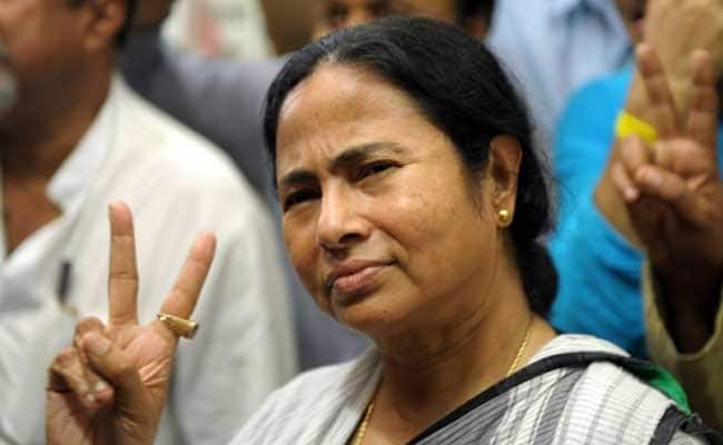 Mamta Banerjee Favours Loan Waivers, Suggests Beneficiary Schemes