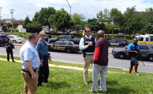 Gunman kills 5 in attack at Maryland newspaper building