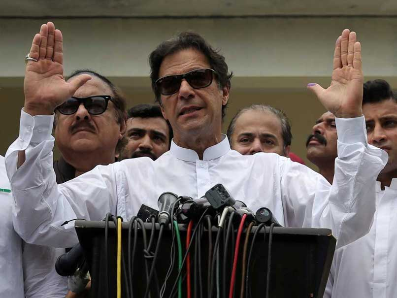 Imran Khan's Party Begins Coalition Talks As Rivals Plan Protests In Pak
