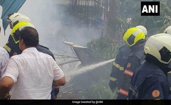 mumbai plane crash