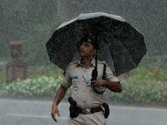 दिल्ली के कई इलाकों में जोरदार बारिश, जल-जमाव ने बढ़ाई परेशानी