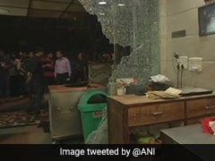 On CCTV, Delivery Boys Smash Glass Panes, Vandalise South Delhi Eatery