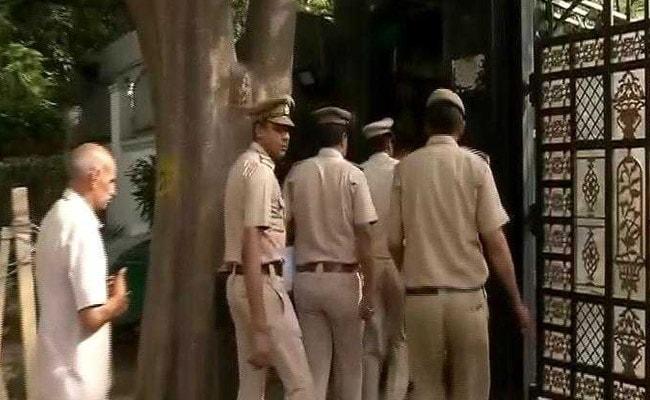 मुख्य सचिव से मारपीट मामला : दिल्ली पुलिस ने की अरविंद केजरीवाल से पूछताछ