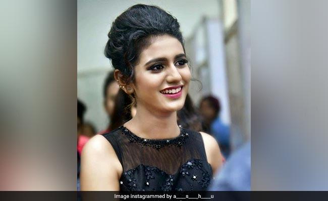 Priya Prakash Varrier: बुरी नजर से बचने के लिए प्रिया ने लगाया काला टीका, फैन्स बोले- Aweee