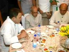 राहुल की इफ्तार पार्टी में शामिल हुए प्रणब, 'विपक्षी एकता' की एक बार फिर दिखी झलक