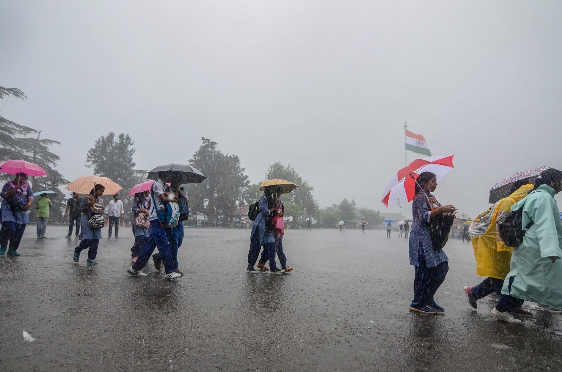 Weather Report : आज देश के कई हिस्सों में है भारी बारिश का अनुमान, जानिये आपके प्रदेश का क्या रहेगा हाल