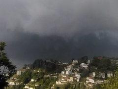महाराष्ट्र और उत्तर-पूर्व में आज हो सकती है भारी बारिश, राजस्थान में आंधी की आशंका