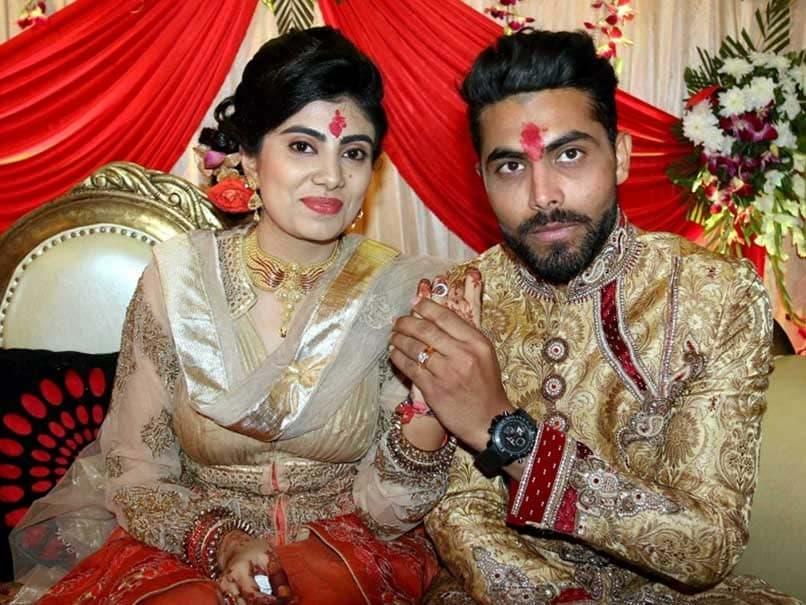 क्रिकेटर रवींद्र जडेजा की पत्नी पर हमला करने वाला पुलिसकर्मी सस्पेंड