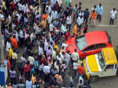 "Maratha Quota Stir LIVE Updates: Protesters Hold ""<i>Jail Bharo Andolan</i>"" In Mumbai Today"