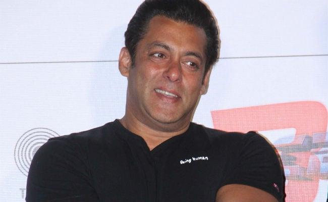 सलमान खान ने दिखाई 'रेस 3' की एक्ट्रेस की झलक, फैन्स बोले- भाई शादी कब करोगे...