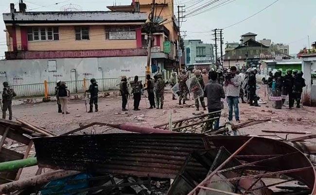 शिलांग में कर्फ्यू के बाद भी कई इलाकों में भड़की हिंसा, सेना ने 500 से ज्यादा लोगों को बचाया