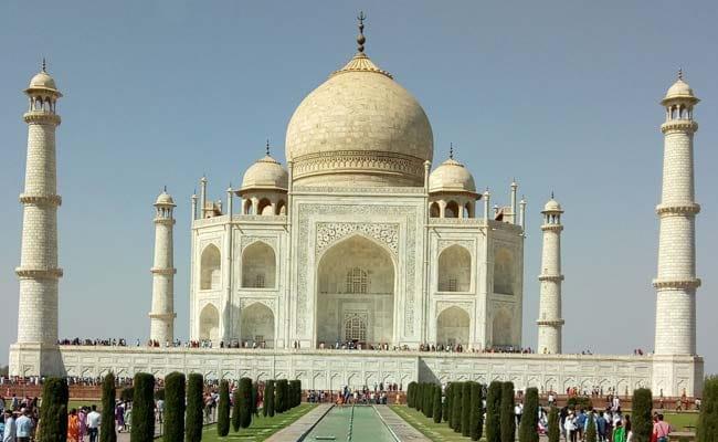ताज महल में बाहरी लोगों को नमाज पढ़ने की इजाजत देने से सुप्रीम कोर्ट का इनकार