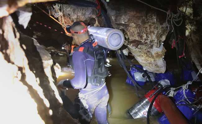 Rescue Team On Daring Mission To Evacuate Stuck Thai Boys