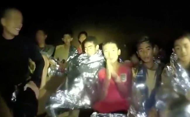 गुफा में जैसे ही पहुंचा कैमरा तो ये करते दिखे फंसे हुए खिलाड़ी, कही ऐसी बात