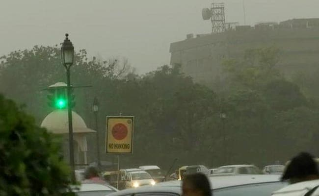 Delhi Weather Highlights: Light Rain, 50 Kmph Gusty Winds, Hit Delhi